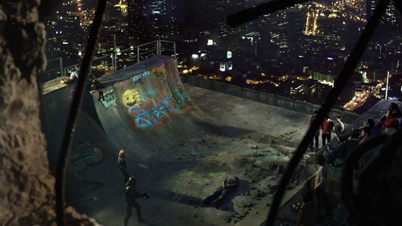 Versión MX: El nivel de recorte de la imagen varia de escena a escena.